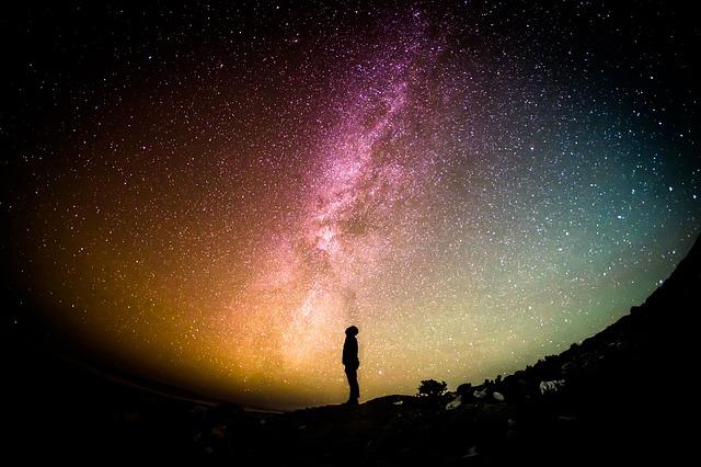 hvězdy na obloze