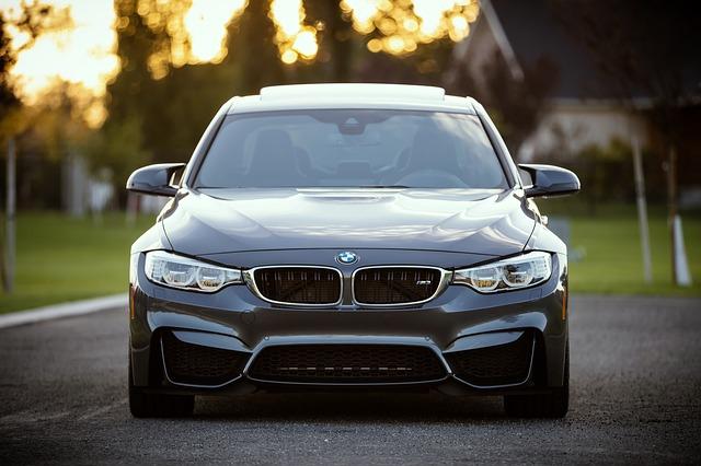 BMW, pohľad spredu.jpg