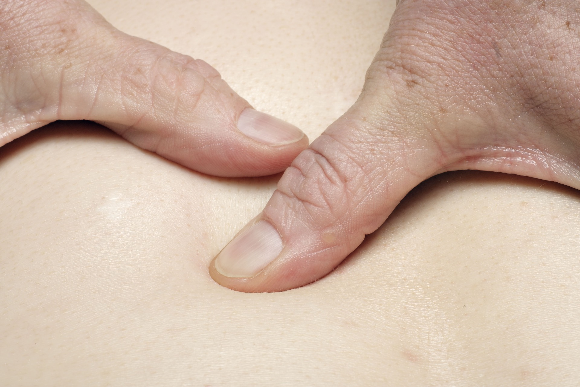 massage-3749199_1920